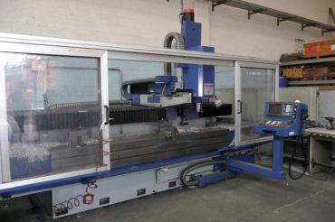 FRESATRICE A MONTANTE MOBILE CNC FANUC SERIE O.M. GUALDONI GV 400/2600
