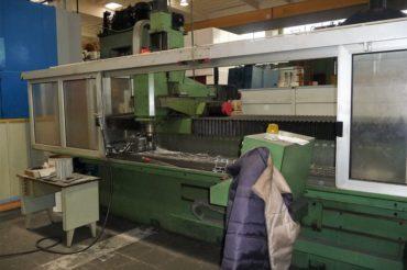 FRESATRICE A MONTANTE MOBILE CNC FANUC SERIE O.M. GUALDONI GV 400/3000